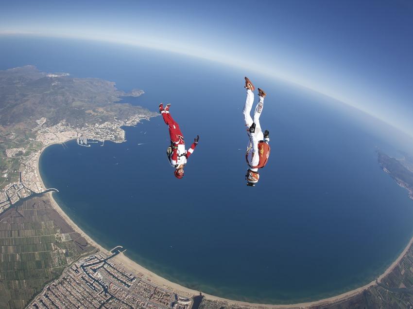 Competicions de paracaigudisme a Empuriabrava. (Kuri NG)