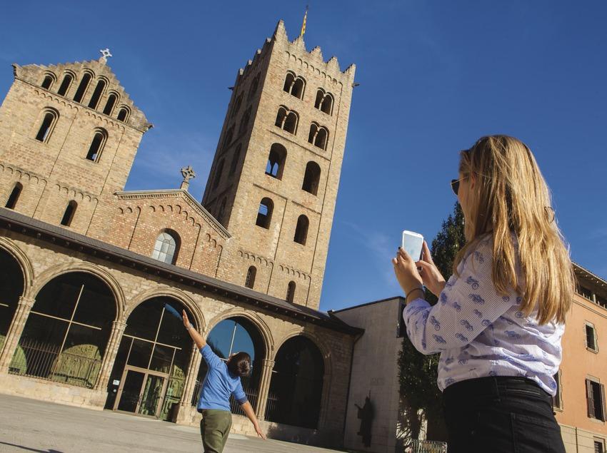 Façana del Monestir de Santa Maria de Ripoll. (Josep M. Palau Riberaygua)