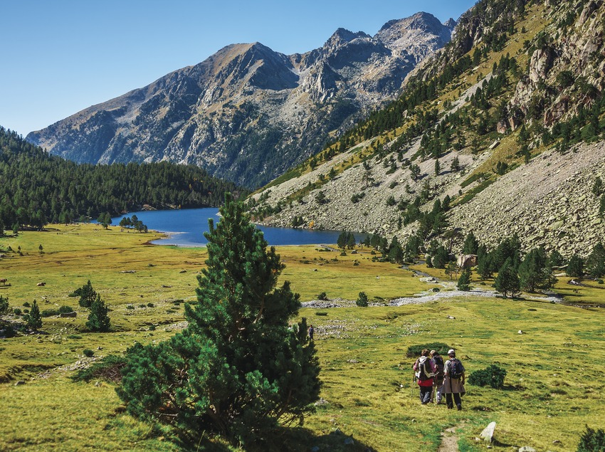 Estany Llong .Llong lake. Hiking Aiguestortes and Estani de St. Maurici National Park, Pyrenees Mountains. Boi Taull Valley. Alta Ribagorça Region Lerida province. Lleida province Cataluña. Catalunya. Catalonia. Spain