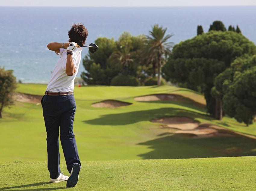 Detall swing de jugador. (Club Golf Llavaneres)