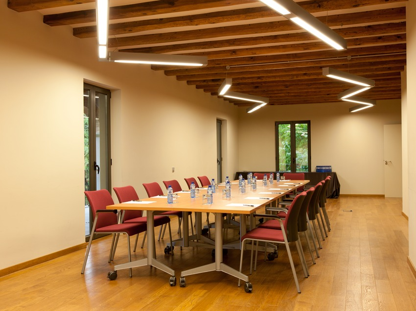 Sala amb llum natural del Món Sant Benet   (Món Sant Benet)