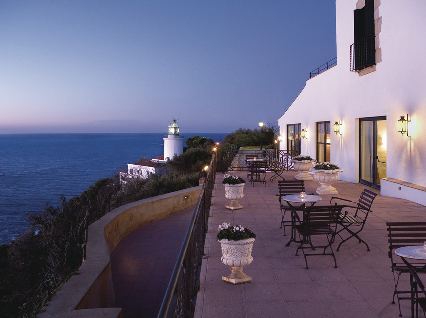 El Far Hotel   (© El Far Hotel Restaurant)