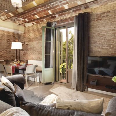 Interior de l'apartament   (Miro 142)