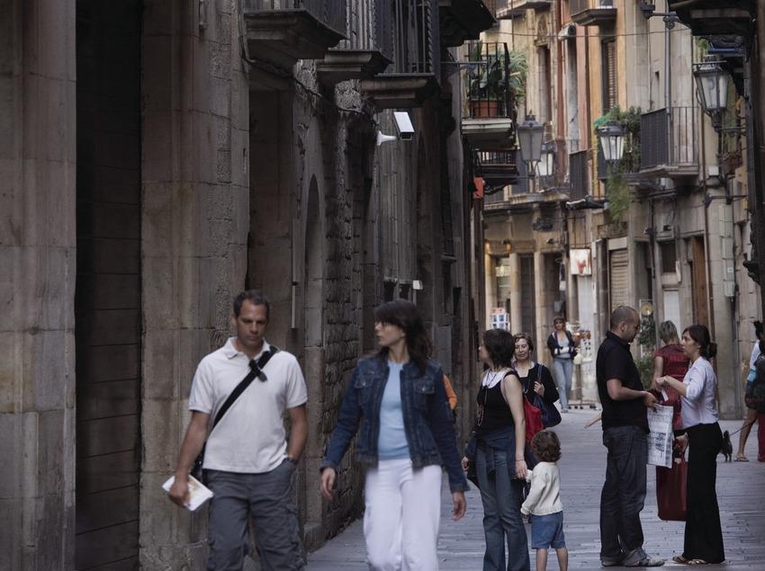 A stroll along Montcada street  (Nano Cañas)