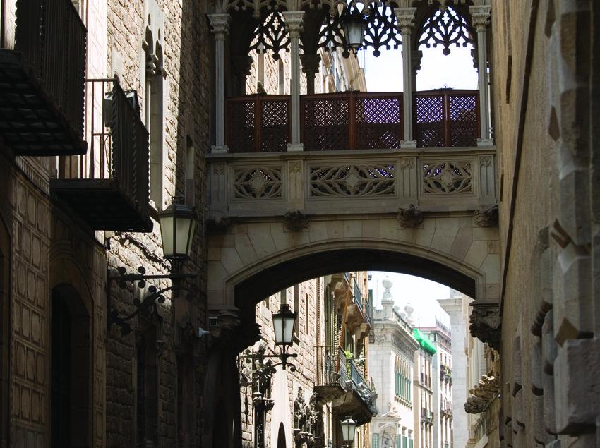 Calle del Bisbe.  (Nano Cañas)
