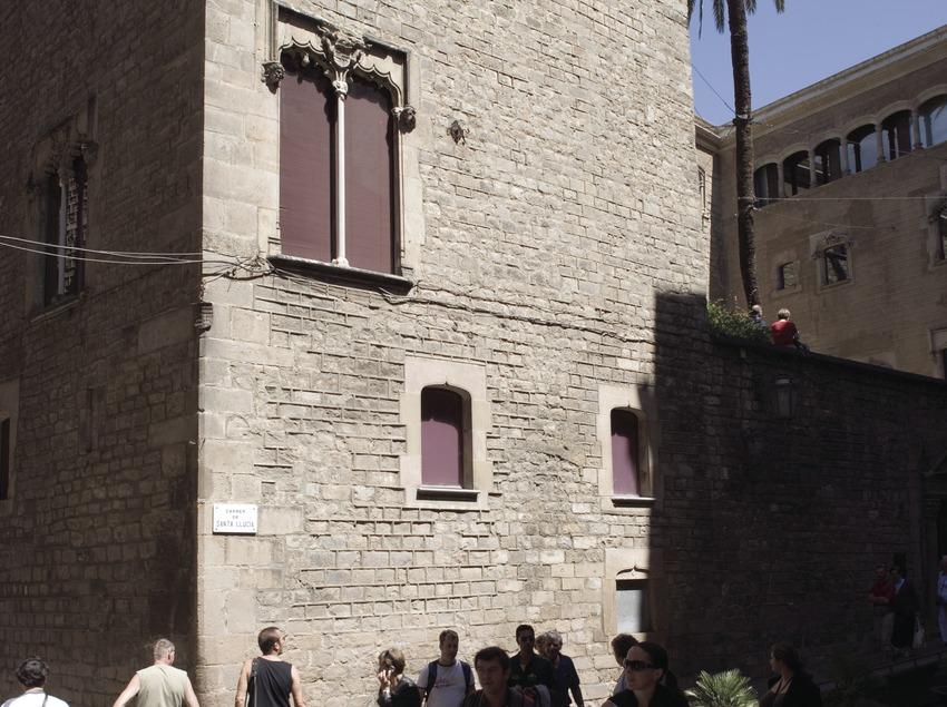 Exterior de la Casa de l'Ardiaca.  (Nano Cañas)