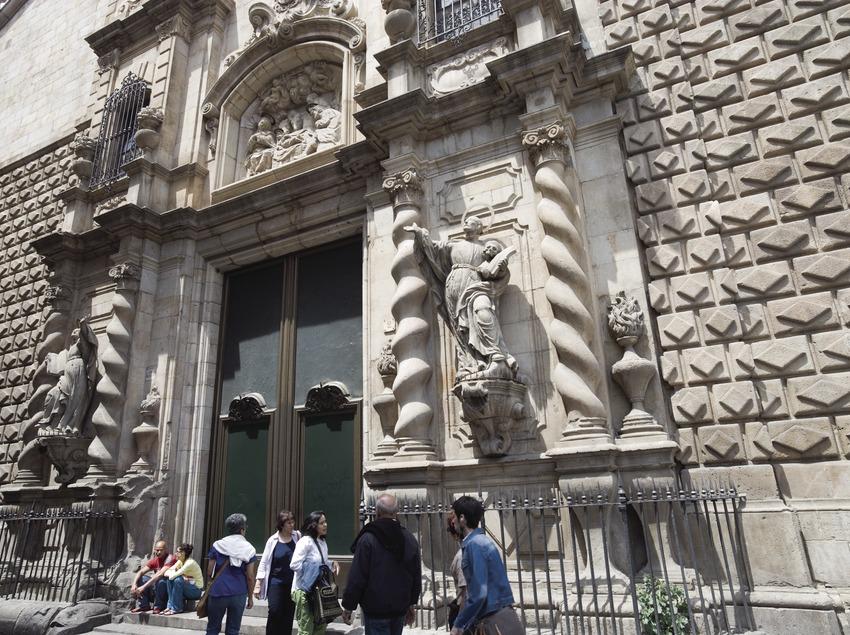 Portal de la iglesia de Betlem.  (Nano Cañas)