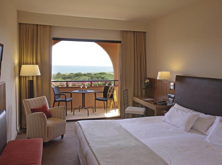 Habitación con vistas al mar del hotel La Costa.