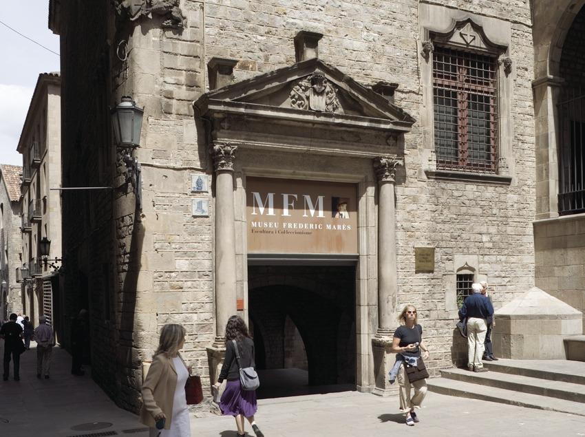 Entrada al Museo Frederic Marès.  (Nano Cañas)