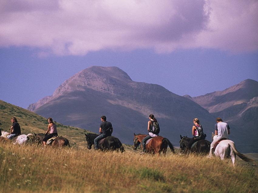 Hípica Sort-Pas a Pas, paseando a caballo.