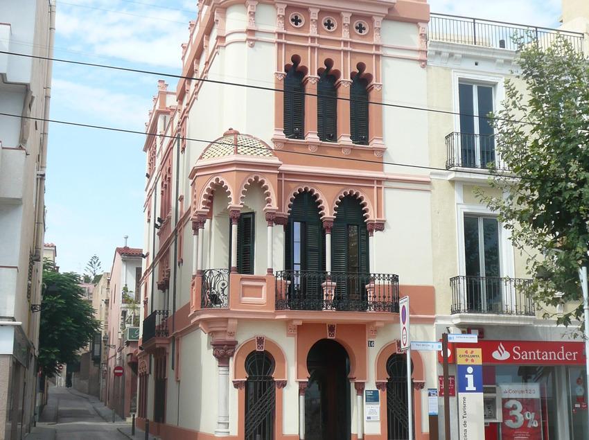 Oficina de Turisme del Masnou.