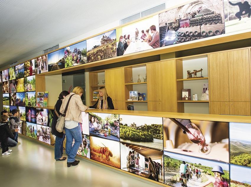 Oficina de Turisme de Vilafranca Penedès.