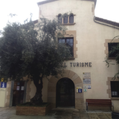 Oficina de Turisme de Calella.