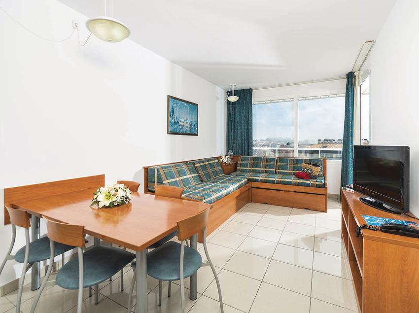 Hotel Costa Encantada, sala d'estar de l'apartament 2-5.