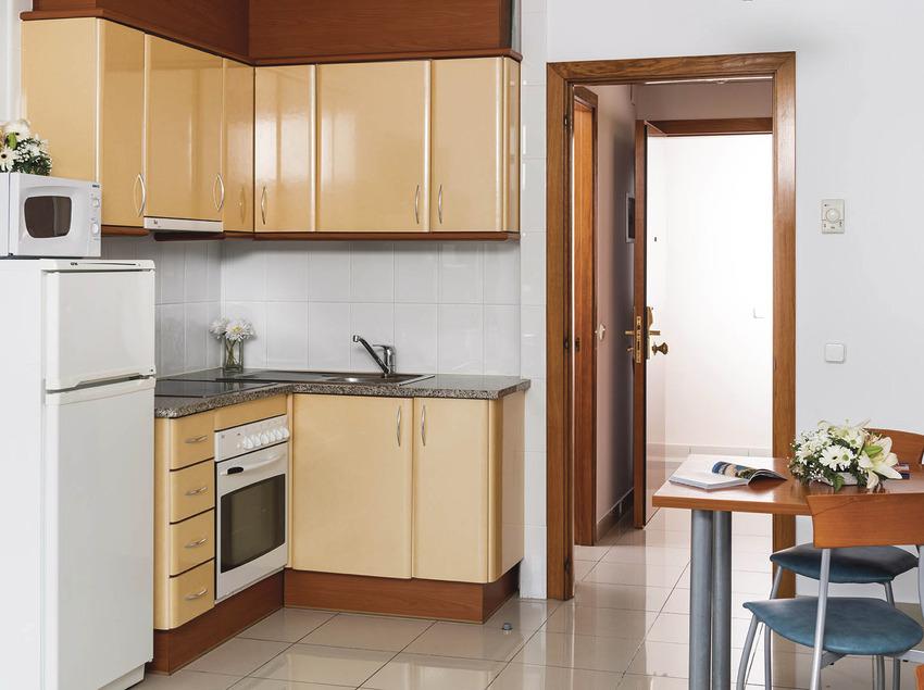 Hotel Costa Encantada, cocina del estudio.
