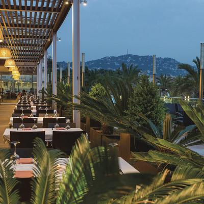 Hotel Costa Encantada, terraza-comedor.