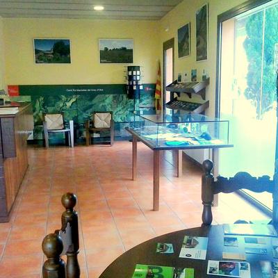 Oficina de Turisme de la Vall d'en Bas.