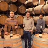 Cata de vinos del Montsant en una bodega centenaria