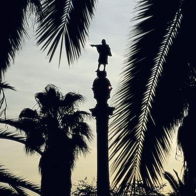 Vista al capvespre del Monument a Colom.  (Imagen M.A.S.)