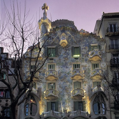 Night view of Casa Batlló