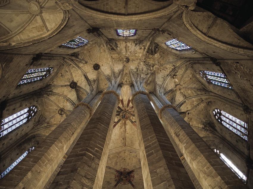 Columnas del ábside de la iglesia de Santa Maria del Mar.