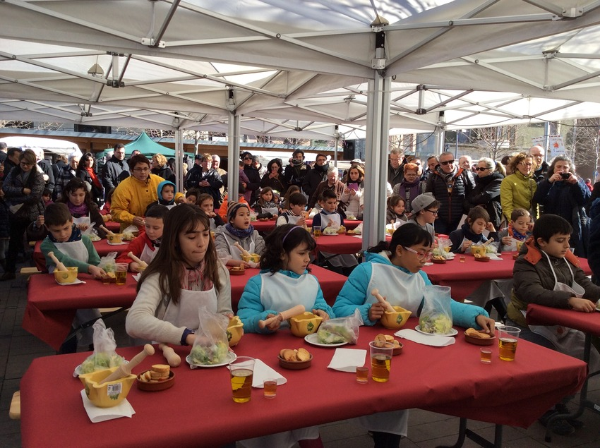 Festa del Xató, taller per a nens.