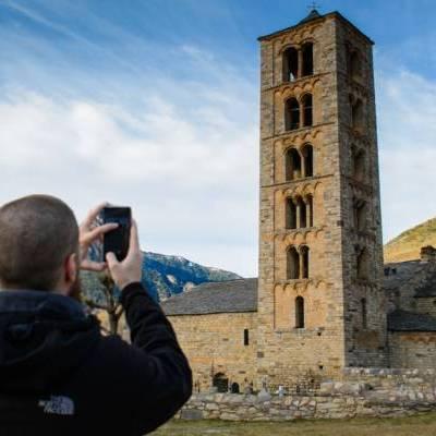 La esencia de los Pirineos. Románico y tradición entre cumbres