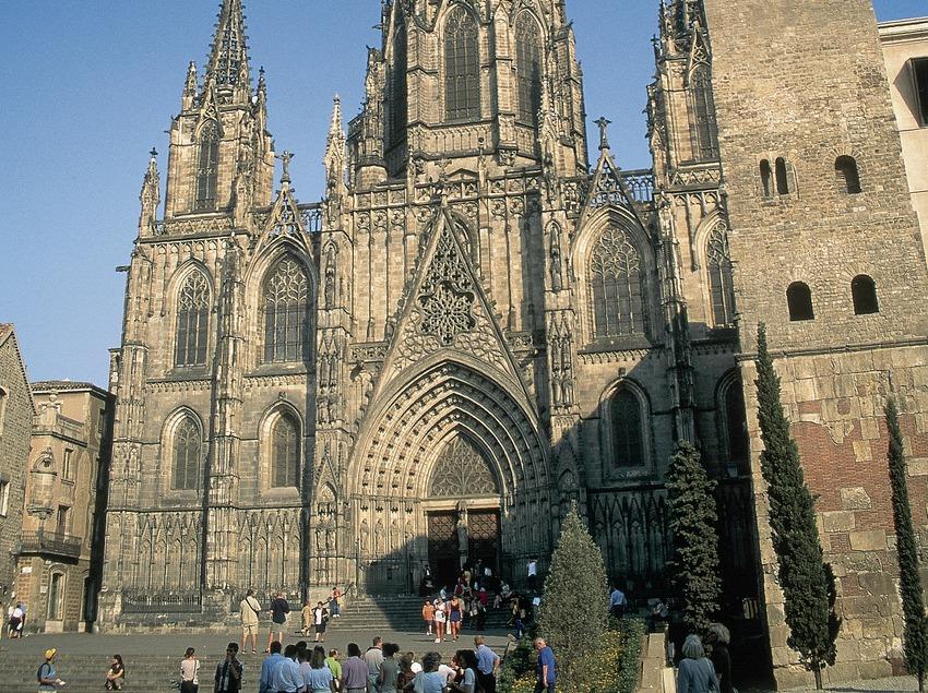 Hauptfassade der der Kathedrale von Barcelona.  (Servicios Editorials Georama)