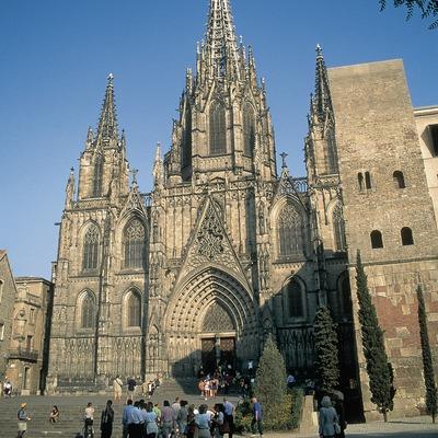 Fachada principal de la catedral de Barcelona.  (Servicios Editorials Georama)