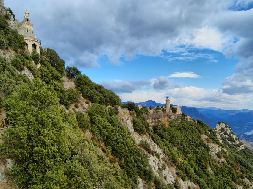 Vistas del Santuario de Santa María de Queralt.