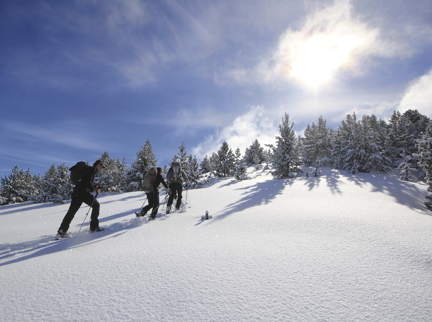 Gent fent raquetes a la Vall de Boí (Sergi Ricart)