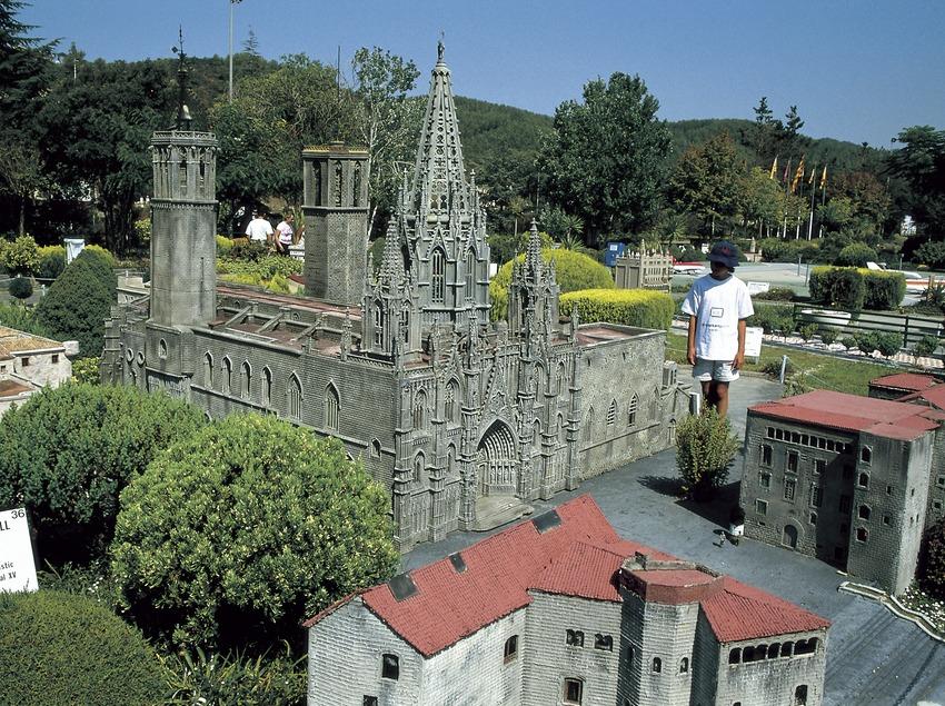 Cathédrale de Barcelone dans le parc Catalunya en miniature.  (Turismo Verde S.L.)