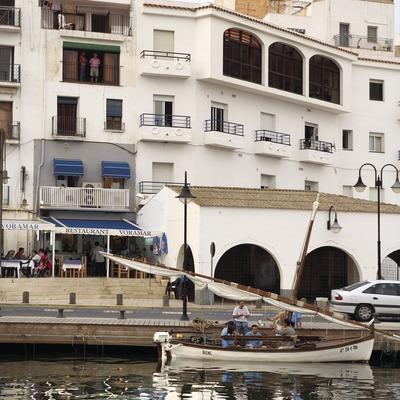 Barca al port.