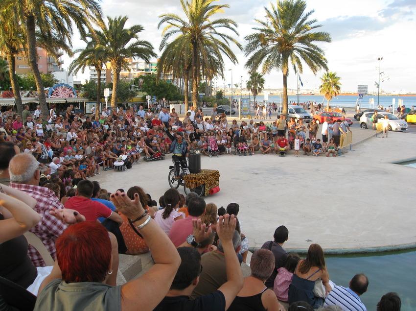 Espectacle infantil a la platja de la Pineda de Vila-seca (Ajuntament de Vila-seca)