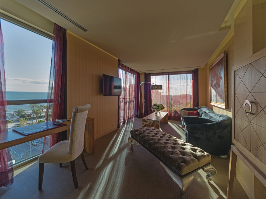 Habitación suite royal con vistas al mar. (Avenida Sofia Hotel Boutique & Spa)