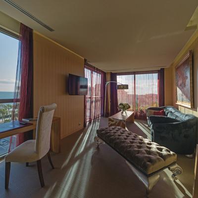 Habitació suite royal amb vistes al mar. (Avenida Sofia Hotel Boutique & Spa)
