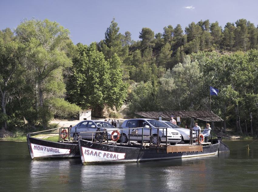 Paso de barca en el río Ebro.  (Miguel Angel Alvarez)