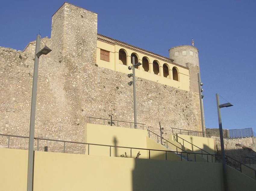 Fachada del castillo de Os de Balaguer. (Tu i Lleida)