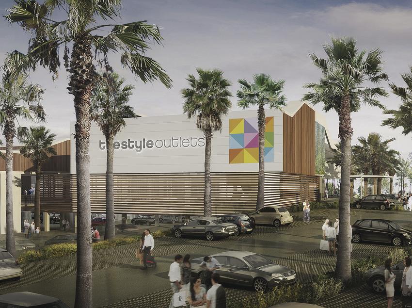 Vista de la fachada y el aparcamiento del centro comercial. (The Style Outlets )