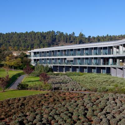 Façana de l'Hotel O. (Fundació Catalunya-La Pedrera)