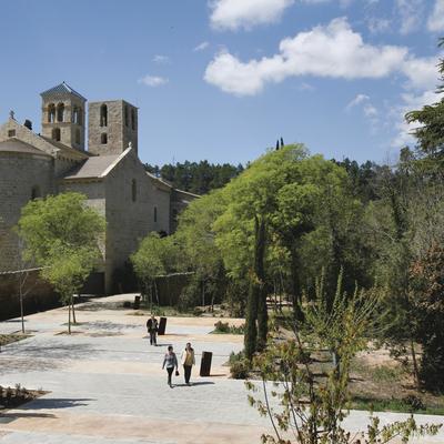 Exterior del monestir de Sant Benet de Bages. (Marc Vila)