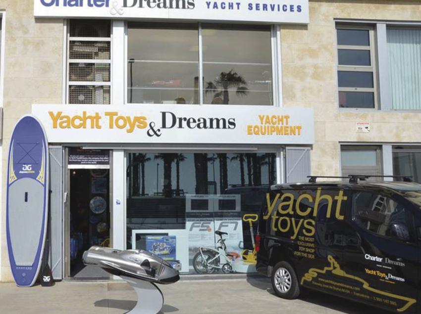 Fachada del local de la empresa Charter&Dreams en Barcelona.