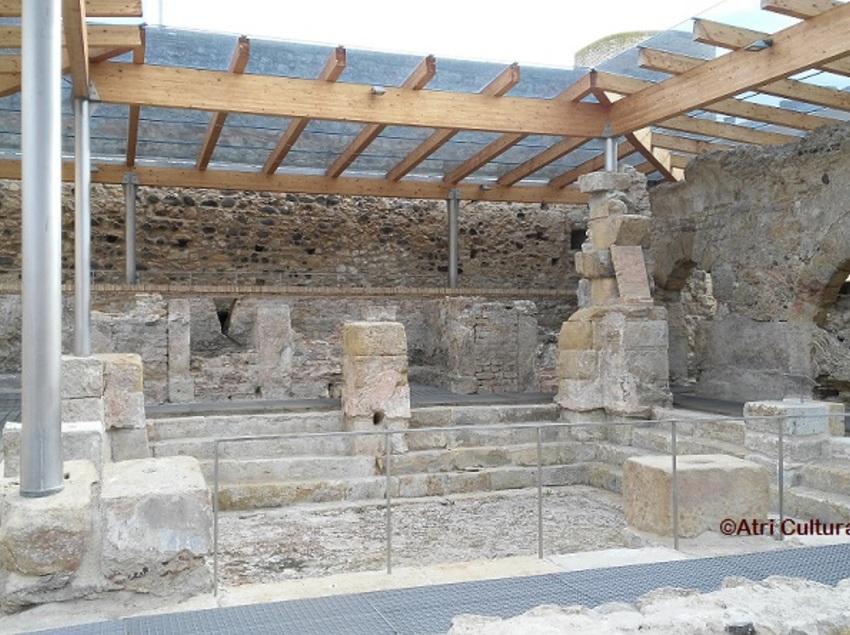 Interior de les termes romanes a Caldes de Malavella.