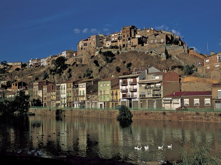 La rivière Cardener et la vieille ville  (Turismo Verde S.L.)
