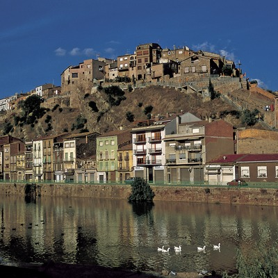 The river Cardener and the old quarter  (Turismo Verde S.L.)