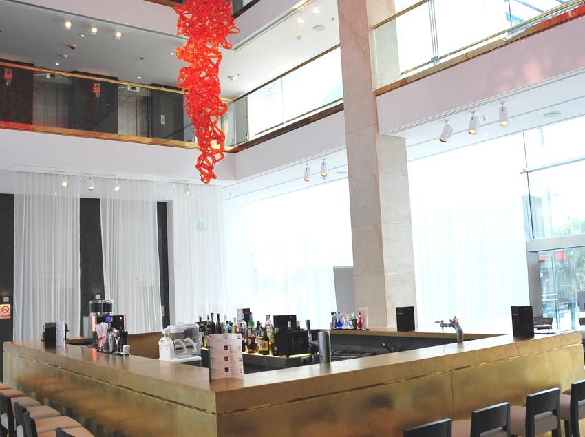 Bar del vestíbulo del hotel.