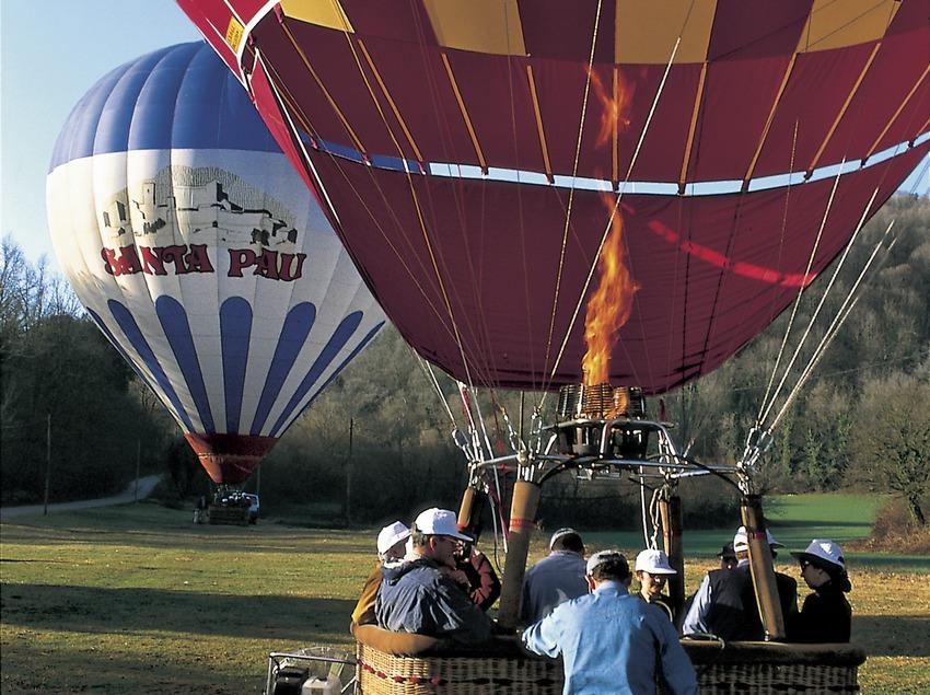 Preparing for a hot air balloon flight