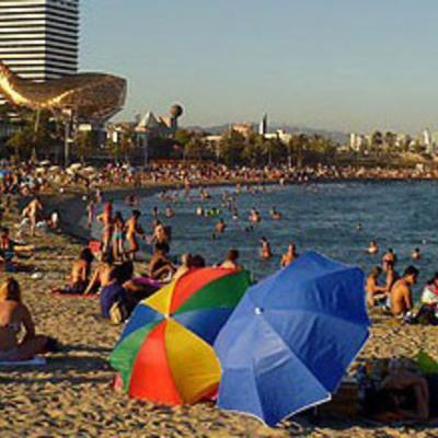 Platja en el Port Olímpic de Barcelona.