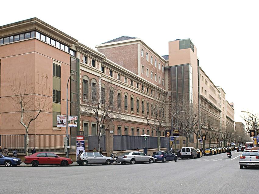 Façana principal del centre Barnaclínic.