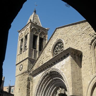 Façana romànica de Santa Maria d'Agramunt.
